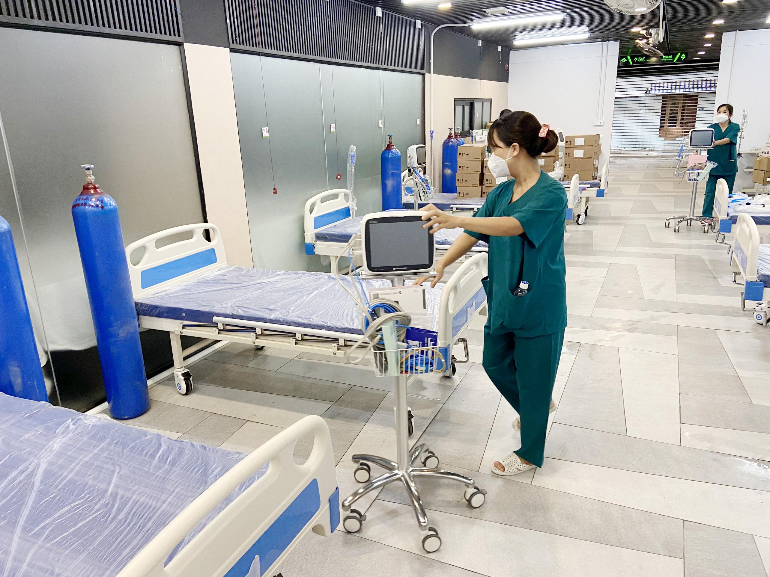 Cận cảnh bệnh viện dã chiến số 5 tại Thuận Kiều Plaza trước giờ tiếp nhận bệnh nhân - 9