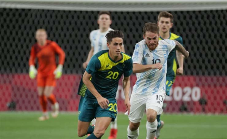 Video bóng đá Olympic Argentina - Australia: Tai họa bàn thua sớm, sụp đổ vì siêu phẩm - 1