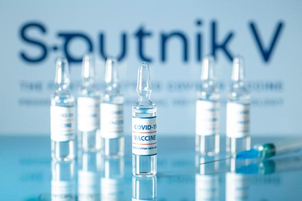 Việt Nam gửi 10.000 liều vắc xin Sputnik V do VABIOTECH gia công, đóng ống sang Nga - 1