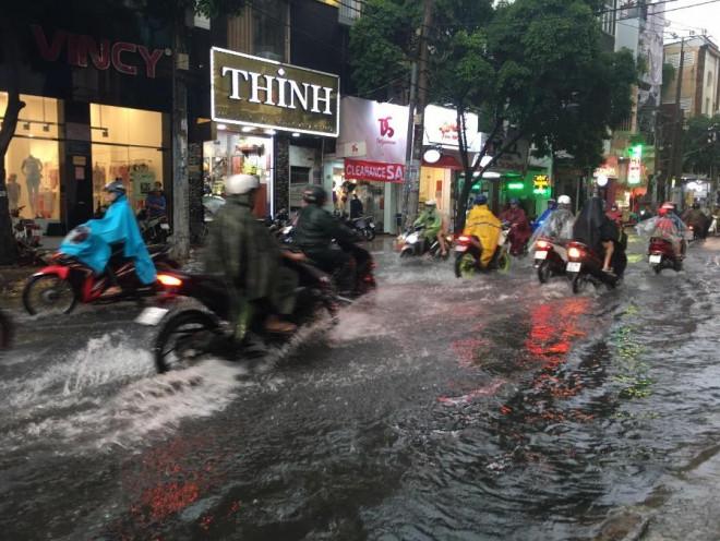 Bí quyết chăm sóc xe máy vào mùa mưa để tránh hư hỏng - 1