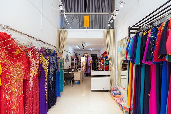 Bí quyết 'vàng' khi chọn mua áo dài phái đẹp cần lưu ý - Áo dài Quỳnh Nguyễn bật mí - 1