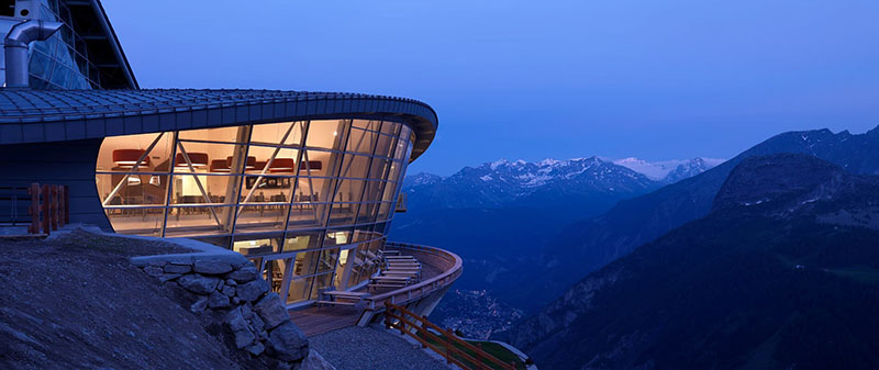 Hiệu sách đặc biệt nằm ở độ cao hơn 3.000m, dành riêng cho người yêu sách và leo núi - 1