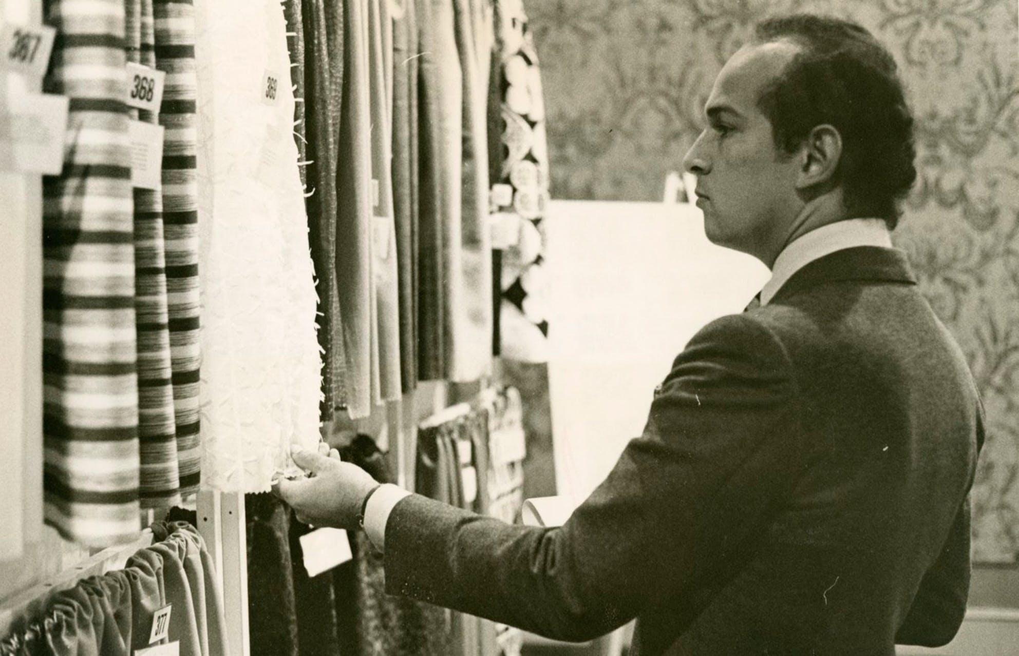 Oscar de la Renta, bậc thầy thiết kế áo cưới - 1
