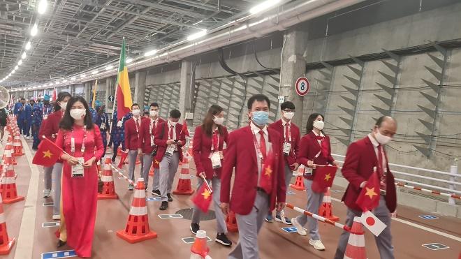 Lễ khai mạc Olympic Tokyo 2020: Đoàn Việt Nam diễu hành cùng bạn bè 5 châu - 1