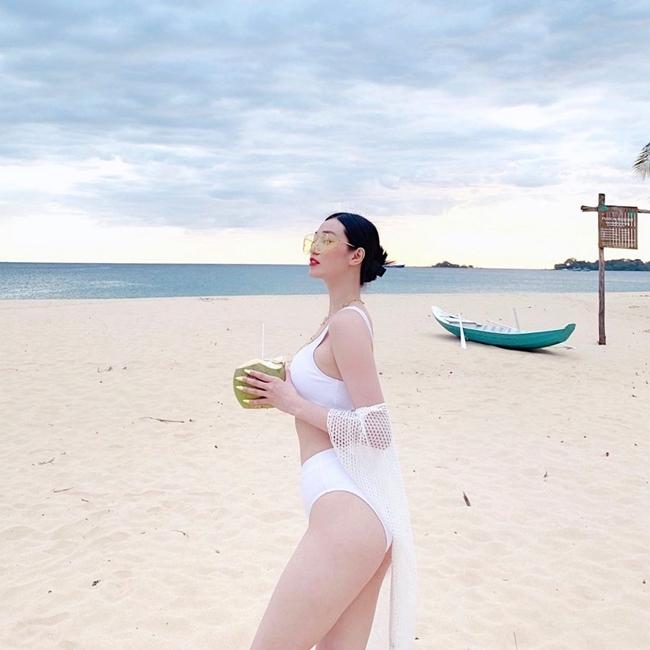Nữ diễn viên sinh năm 1991 dành thời gian tập trung cho công việc kinh doanh bất động sản, thỉnh thoảng đi du lịch và tận hưởng cuộc sống hạnh phúc bên bạn trai là diễn viên Tiến Vũ.