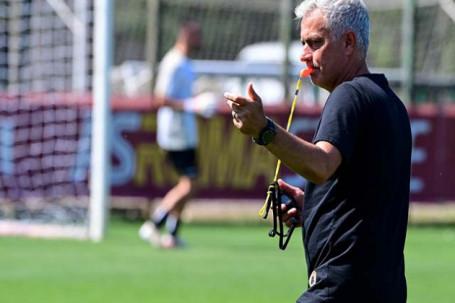 """Tin mới nhất bóng đá tối 24/7: Mourinho tính biến Roma thành """"Porto 2.0"""""""
