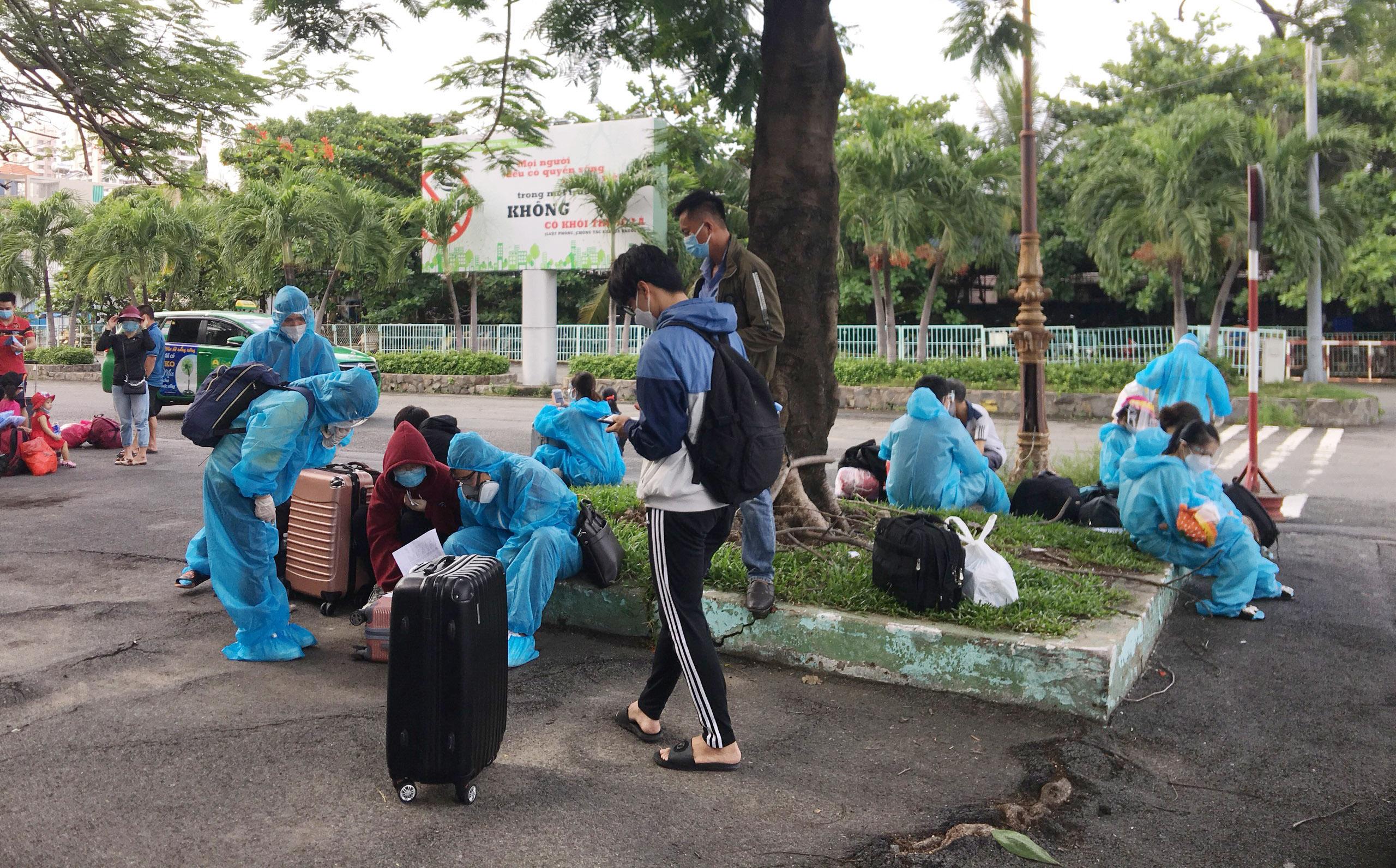 720 người Hà Tĩnh rời TP.HCM trên chuyến tàu đặc biệt - 5