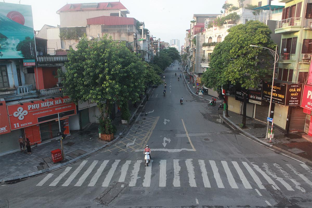Hình ảnh phố phường Hà Nội lần thứ 2 giãn cách toàn xã hội theo Chỉ thị 16 - 12