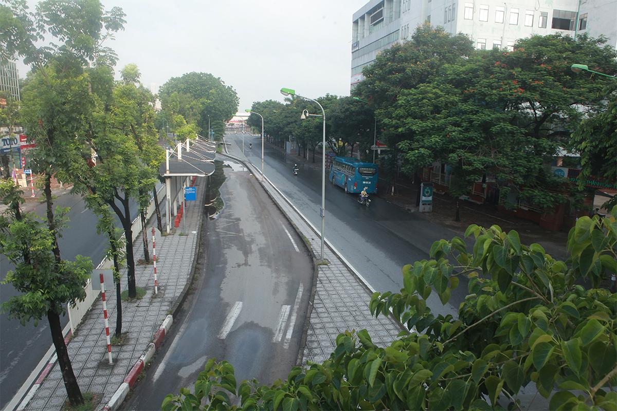 Hình ảnh phố phường Hà Nội lần thứ 2 giãn cách toàn xã hội theo Chỉ thị 16 - 19