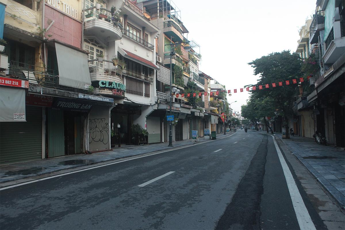 Hình ảnh phố phường Hà Nội lần thứ 2 giãn cách toàn xã hội theo Chỉ thị 16 - 7