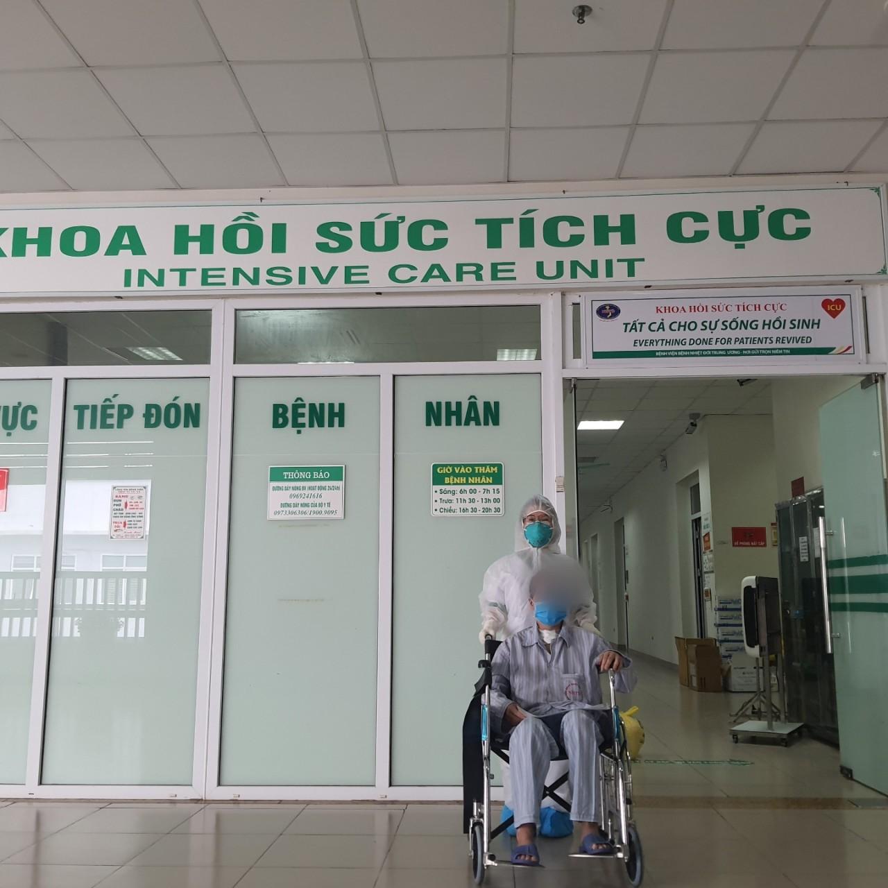 Thai phụ mắc COVID-19 phải đặt tim phổi nhân tạo đã hồi phục ngoạn mục - 1