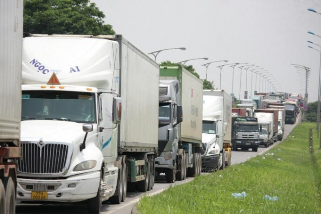 """Phương tiện mất 12 tiếng qua chốt ở Hà Nội dù có thẻ ưu tiên """"luồng xanh"""" - 1"""