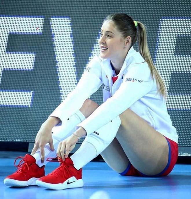 5 hotgirl bóng chuyền gây sốt Olympic, đẹp không thua người mẫu - 1