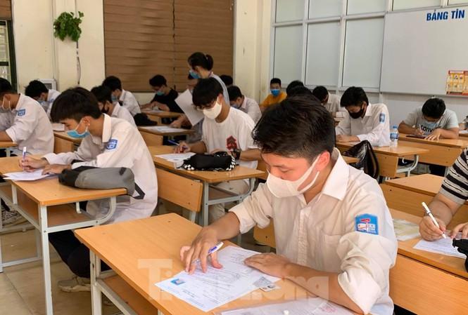 Ngày mai, Bộ GD-ĐT công bố điểm thi tốt nghiệp THPT đợt 1 năm 2021 - 1