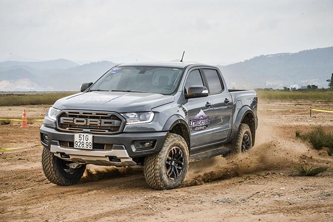 Giá xe Ford Ranger Raptor lăn bánh tháng 7/2021 - 1