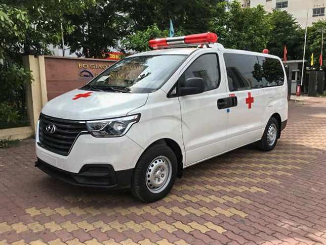 Chi tiết mẫu xe cấp cứu Hyundai Starex tại đại lý, giá bán hơn 760 triệu đồng - 1