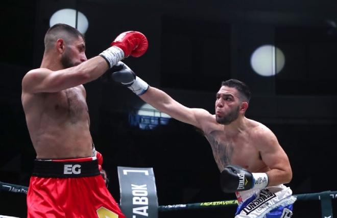 Nóng nhất thể thao tối 25/7: Kỳ lạ võ sĩ boxing Argentina giành đai vô địch châu Á - 1