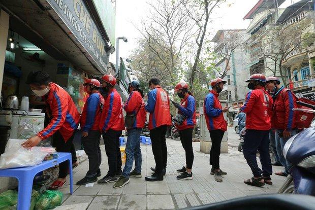 Tại sao cấm shipper công nghệ hoạt động khi giãn cách toàn xã hội tại Hà Nội? - 1