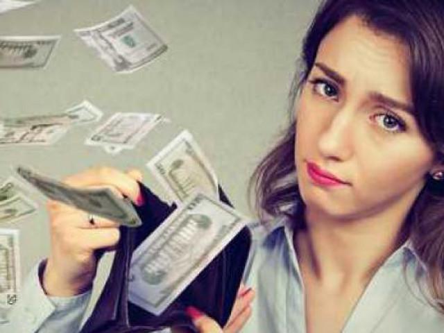 """Bạn trẻ - Cuộc sống - Bạn đang """"đốt"""" tiền nếu còn thường xuyên làm 8 điều này"""