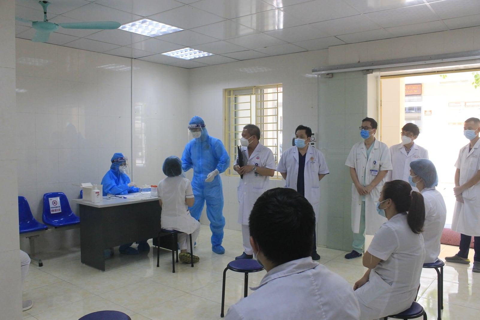 Dịch COVID-19 tại TP.HCM phức tạp, Bệnh viện E xuất quân chi viện - 1
