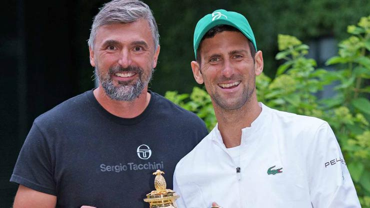 Djokovic shows off his strange talent with two beauties, Federer is despised by legends (Tennis 24/7) - 3