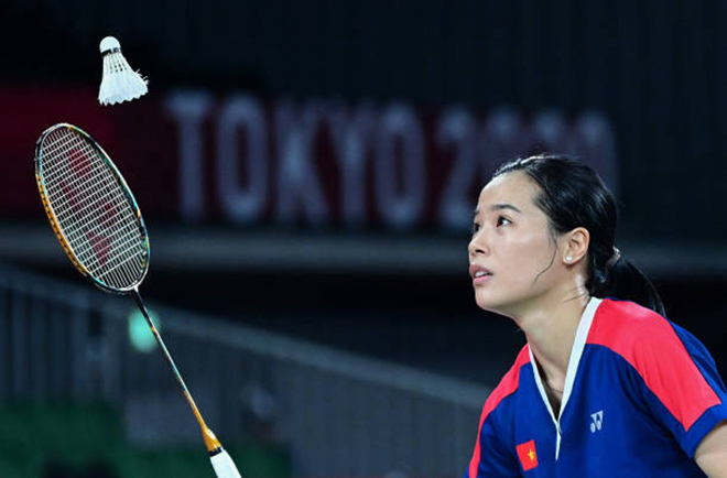 Hot badminton girl Thuy Linh impresses the Olympics, confidently races world stars - 4
