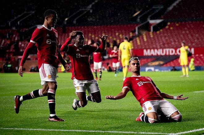 SAO MU vô lê tuyệt đẹp vào lưới tân binh Ngoại hạng Anh, được ví như Ronaldinho - 1