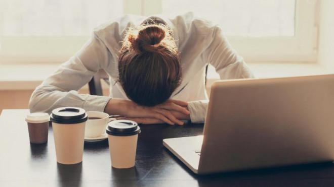 Từ bỏ ngay hôm nay những thói quen ăn uống sai lầm khiến cơ thể mệt mỏi - 1