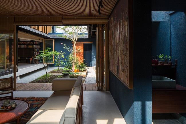 Phong cách kiến trúc truyền thống như một cửa hàng đặc trưng ở Hội An nhưng cuộn lại như vỏ ốc và được xây dựng hoàn toàn bằng vật liệu địa phương nên chi phí tương đối phải chăng. (Ảnh: Chim Non Studio)