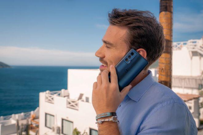 Chiếc smartphone xịn sò nhất của Motorola có gì hấp dẫn? - 4
