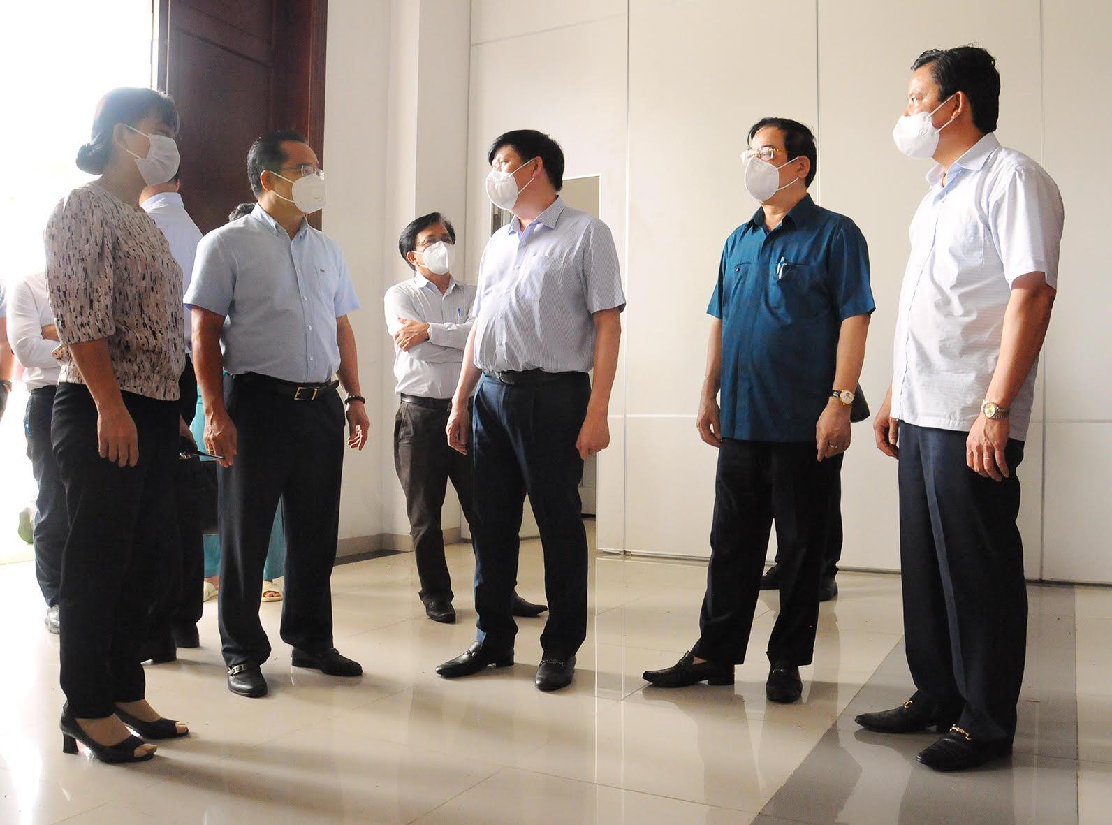 Bộ Y tế tăng cường nhân lực tinh nhuệ hỗ trợ 12 tỉnh miền Tây Nam - 1