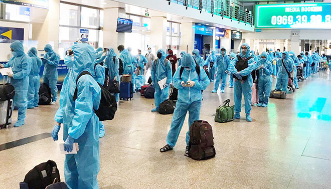 Chuyến bay đặc biệt chở 190 người Bình Định rời TP.HCM về quê - 1