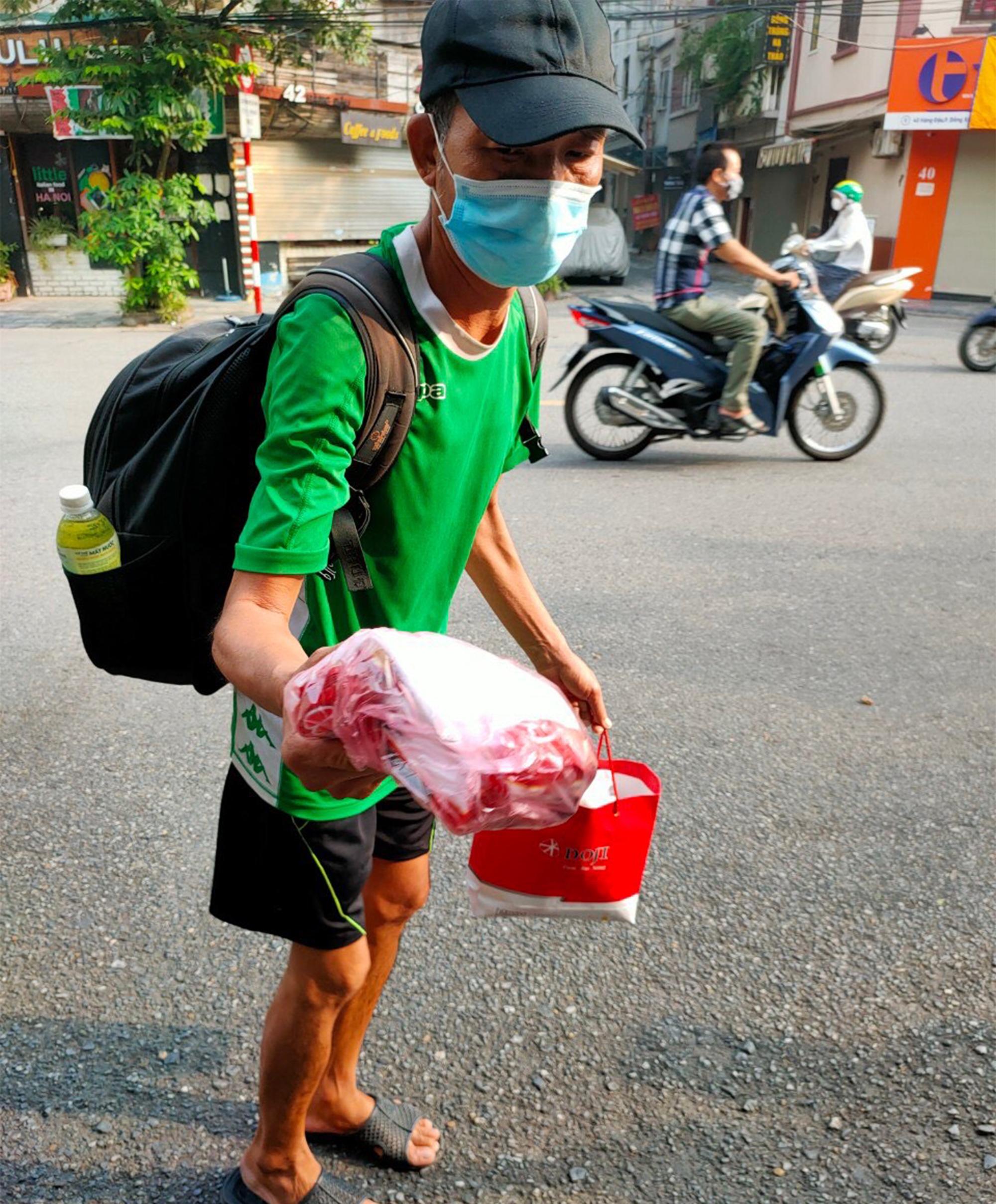 Gói mì tôm lan tỏa yêu thương của người Hà Nội giữa dịch COVID-19 - 8