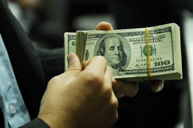 Tỷ giá USD hôm nay 30/7: Lao dốc trước hàng loạt số liệu kinh tế đáng thất vọng - 1