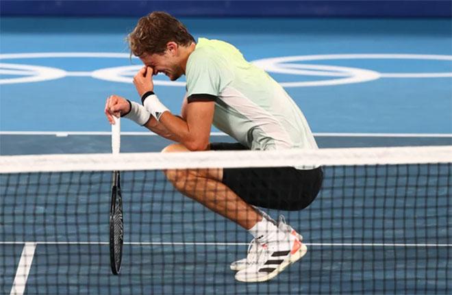 Zverev khóc nức nở, nói gì khi ngăn Djokovic làm nên lịch sử ở Olympic? - 1