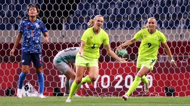Video bóng đá nữ Thụy Điển - Nhật Bản: Hiệp 2 bùng nổ, chủ nhà tan mộng huy chương (Olympic Tokyo) - 1