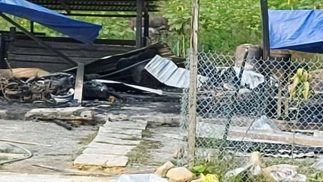Cháy nhà lúc nửa đêm, 2 vợ chồng tử vong ở Quảng Nam - 1