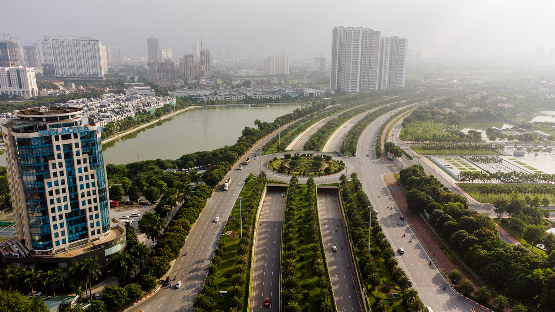 Nhìn từ trên cao đường phố Hà Nội trong buổi sáng ngày thứ 8 giãn cách xã hội - 11