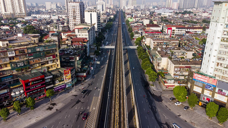 Nhìn từ trên cao đường phố Hà Nội trong buổi sáng ngày thứ 8 giãn cách xã hội - 14
