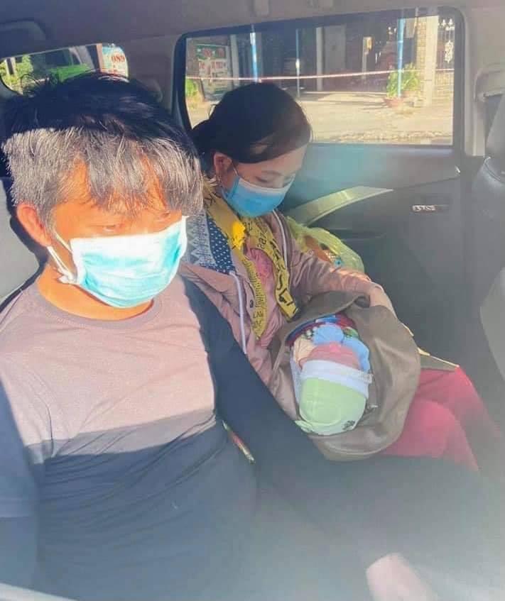 Tin tức 24h qua:Em bé 10 ngày tuổicùng bố mẹvượt dặm trườngđi xe máy từ Bình Dương về Nghệ An - 1