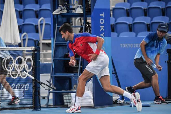 """Nóng nhất thể thao trưa 1/8: Djokovic bị chê là """"đứa trẻ hư"""" - 1"""