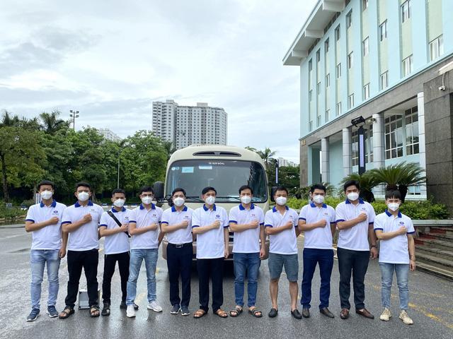 11 chuyên gia tinh nhuệ của Bệnh viện K lên đường chi viện cho miền Nam - 1