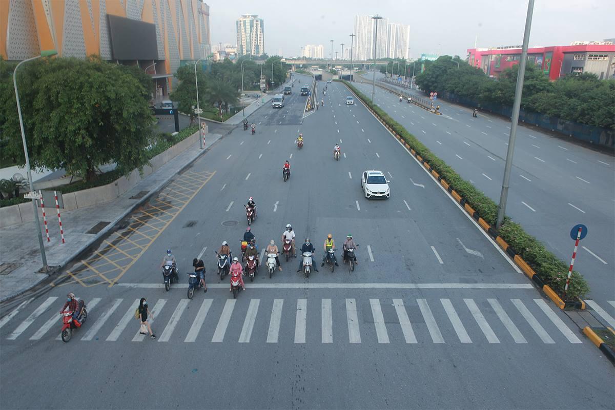 Hà Nội ra công điện 17: Tuyệt đối không để người dân ra ngoài địa bàn thành phố - 1
