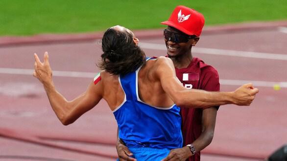 Vì sao 2 VĐV cùng giành HCV nhảy cao Olympic Tokyo 2021? - 1