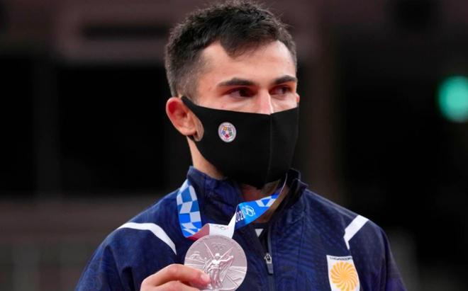 Hai VĐV giành HCB bị trục xuất khỏi Olympic Tokyo vì lý do khó đỡ - 1