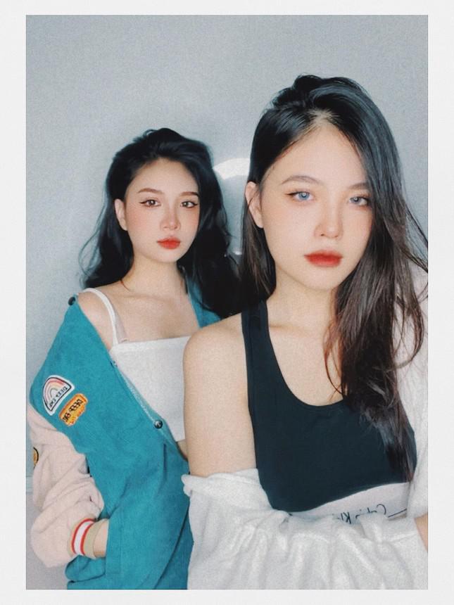 2 chị em tài năng nhìn như 'Tây' cùng dắt tay nhau bước đến tương lai - 1