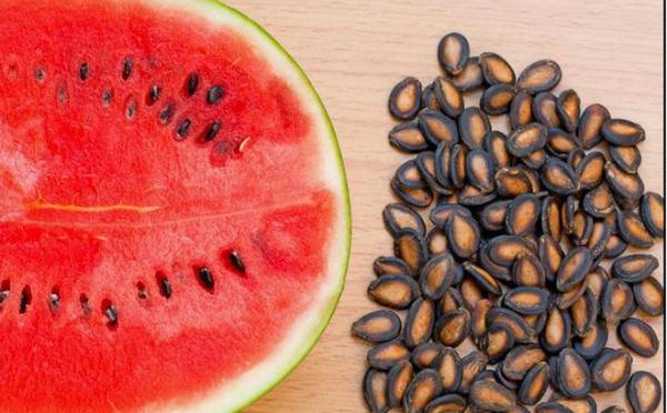 """Ăn trái cây xong đừng vứt 4 loại hạt này, chúng là """"kho thuốc bổ"""" cho sức khỏe - 1"""