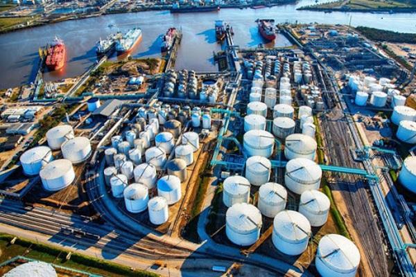Giá dầu hôm nay 2/8: Sức cầu chưa ổn định khi áp lực cung lớn, giá dầu lao dốc - 1