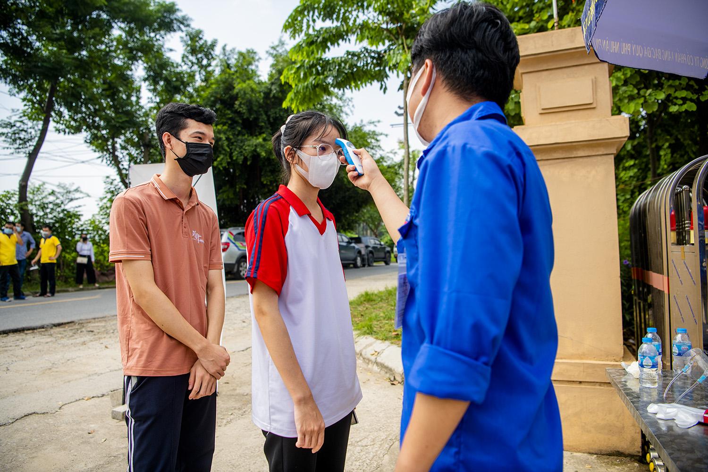 """Hà Nội: Ấm lòng với """"Siêu thị mini 0 đồng"""" trong những ngày giãn cách xã hội - 10"""