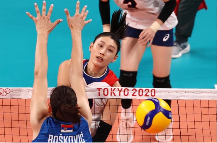 Nỗi đau bóng chuyền nữ Olympic: Trung Quốc thắng vẫn bị loại, Mỹ vượt khó vào tứ kết - 1